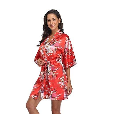 Season Dressing Short Satin Robe