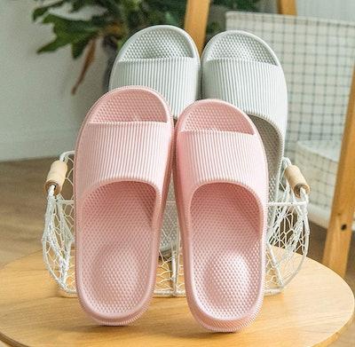 WYSBAOSHU Massage Foam Slippers