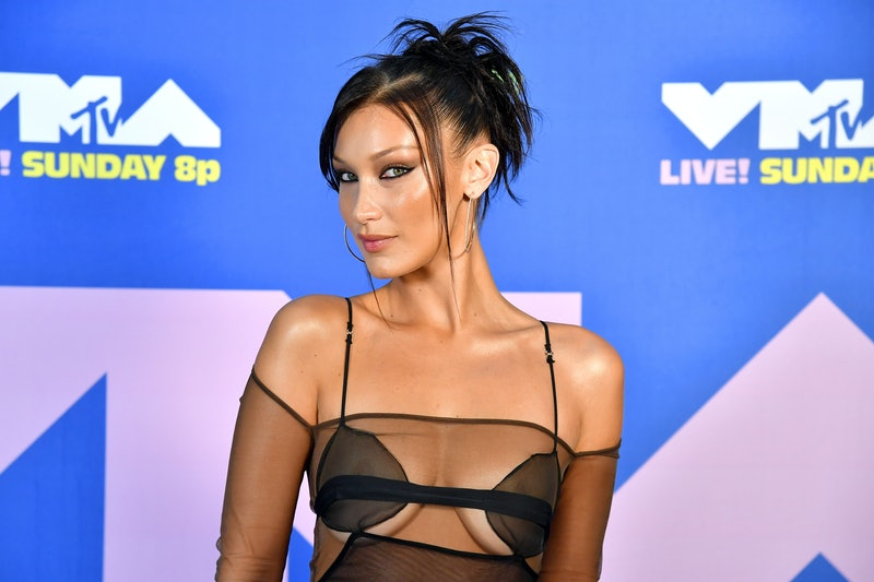 Here's how to DIY the 2000s-style zigzag hair part, the trend Bella Hadid's bringing back.
