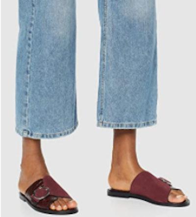 find. Women's Buckle Leather Crocodile Sandal