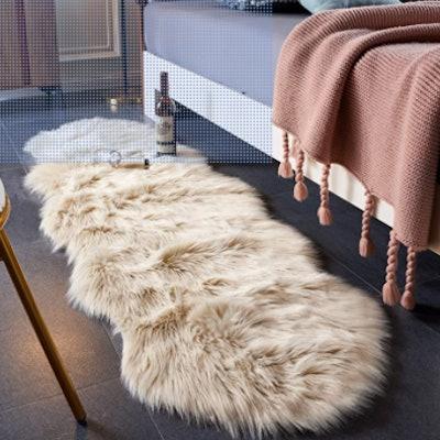 EasyJoy Faux Fur Area Rug