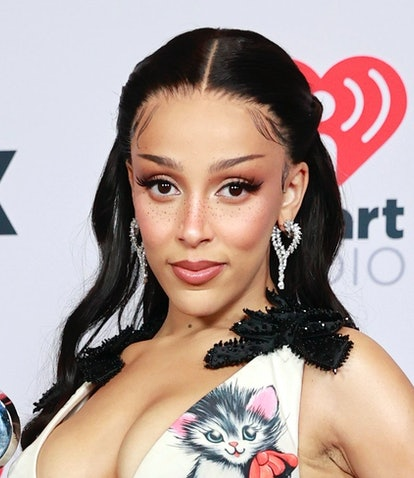 LOS ANGELES, CALIFORNIA - MAY 27: (EDITORIAL USE ONLY) Doja Cat, winner of the Best New Pop Artist a...