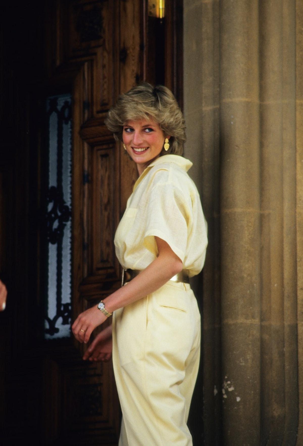 Princess Diana wearing pale yellow