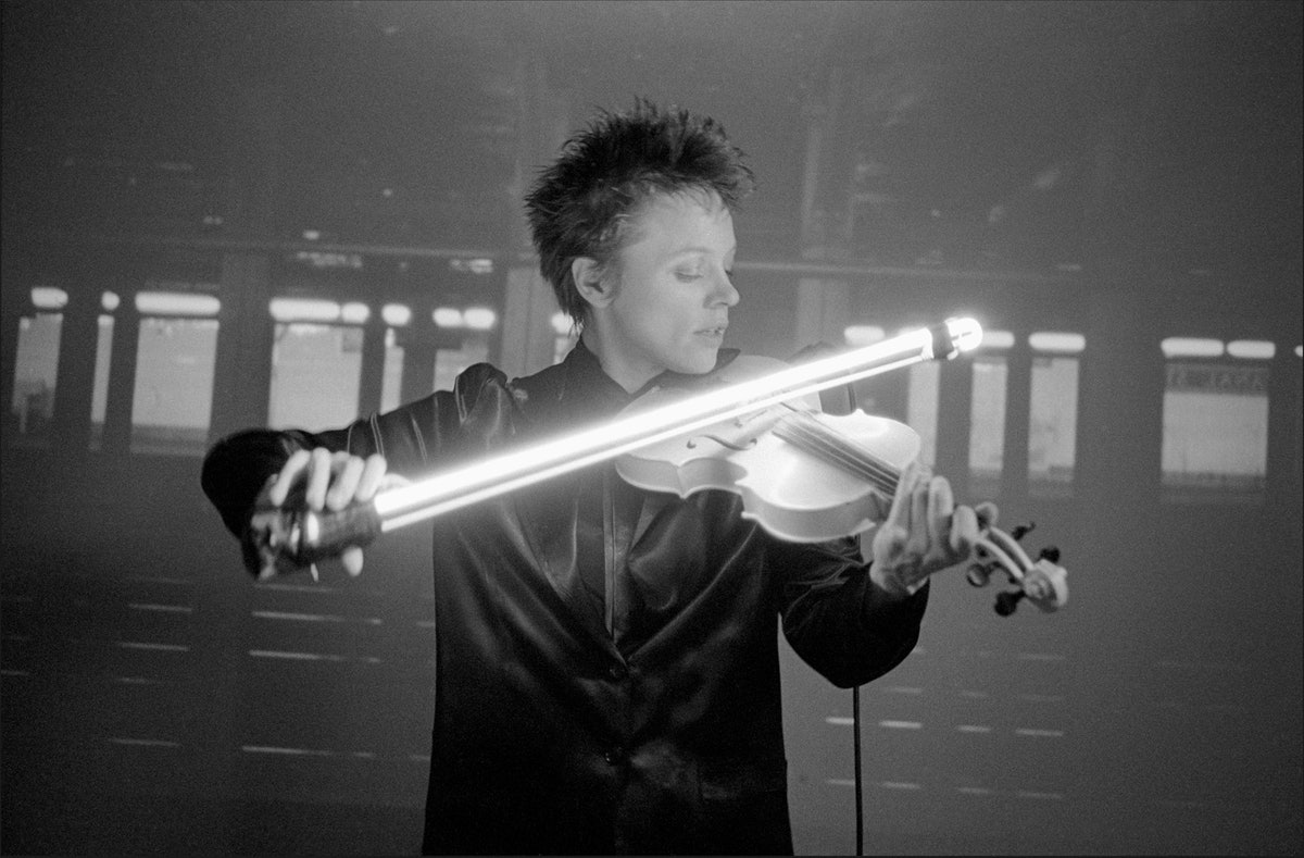 Laurie Anderson playing the violin