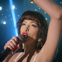 Christian Serratos sings as Selena Quintanilla in 'Selena: The Series'