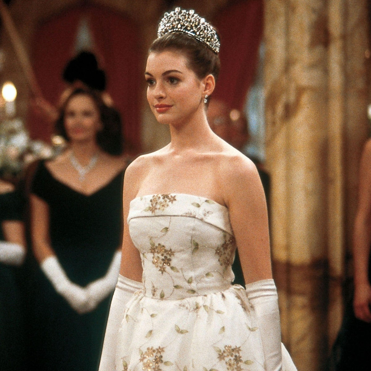 Anne Hathaway as Mia Thermopolis in 'The Princess Diaries', used to inspired your princess captions on Instagram.