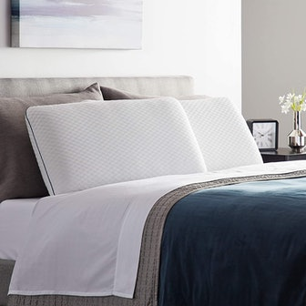 WEEKENDER Ventilated Gel Memory Foam Pillow
