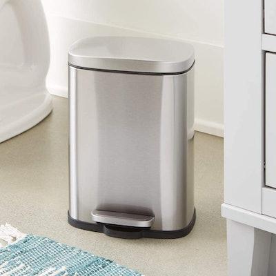 Amazon Basics Soft-Close Trash Can