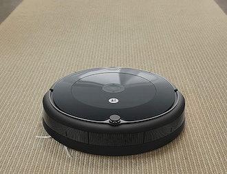 iRobot Roomba 692 Robot Vacuum