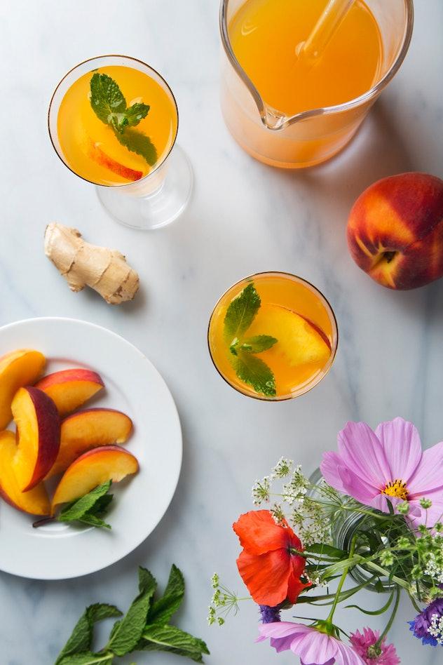 sparkling ginger peach cocktails