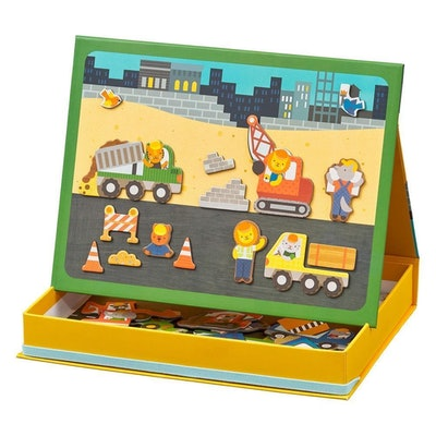 Magnetic Play Scene Construction