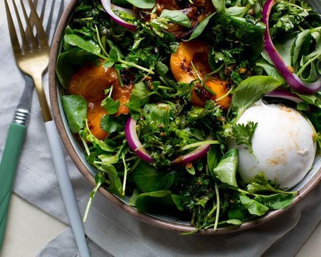 broiled peach summer salad