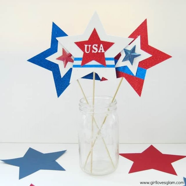 You can make parade wands as a 4th of July craft for kids.