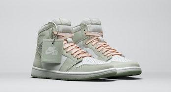 Nike women's sage Air Jordan 1 Hi OG