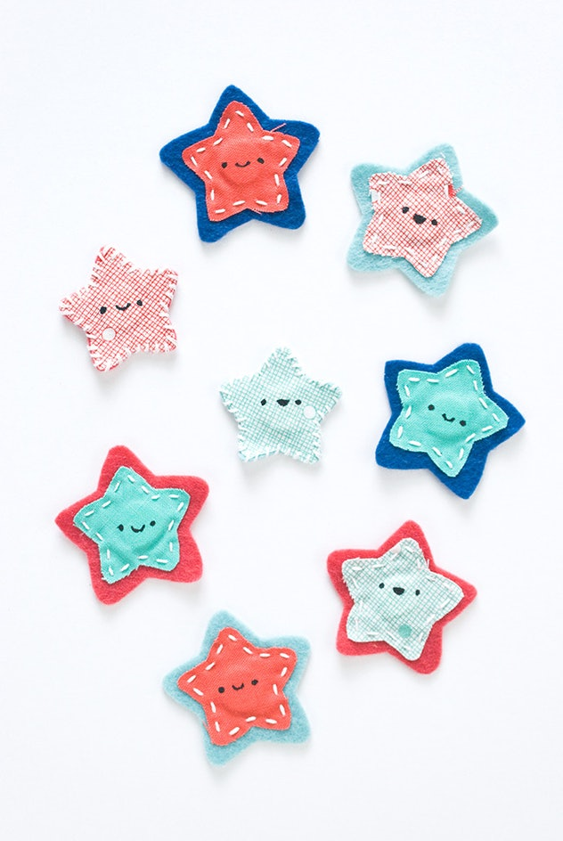 Smiling star magnets are a fun 4th of July craft for kids to enjoy.