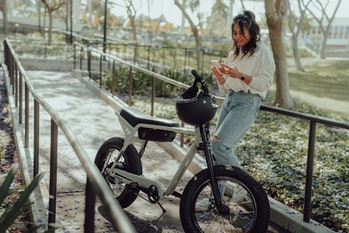 Super73's newest bike, the ZX, is designed for urban commutes and adventures.