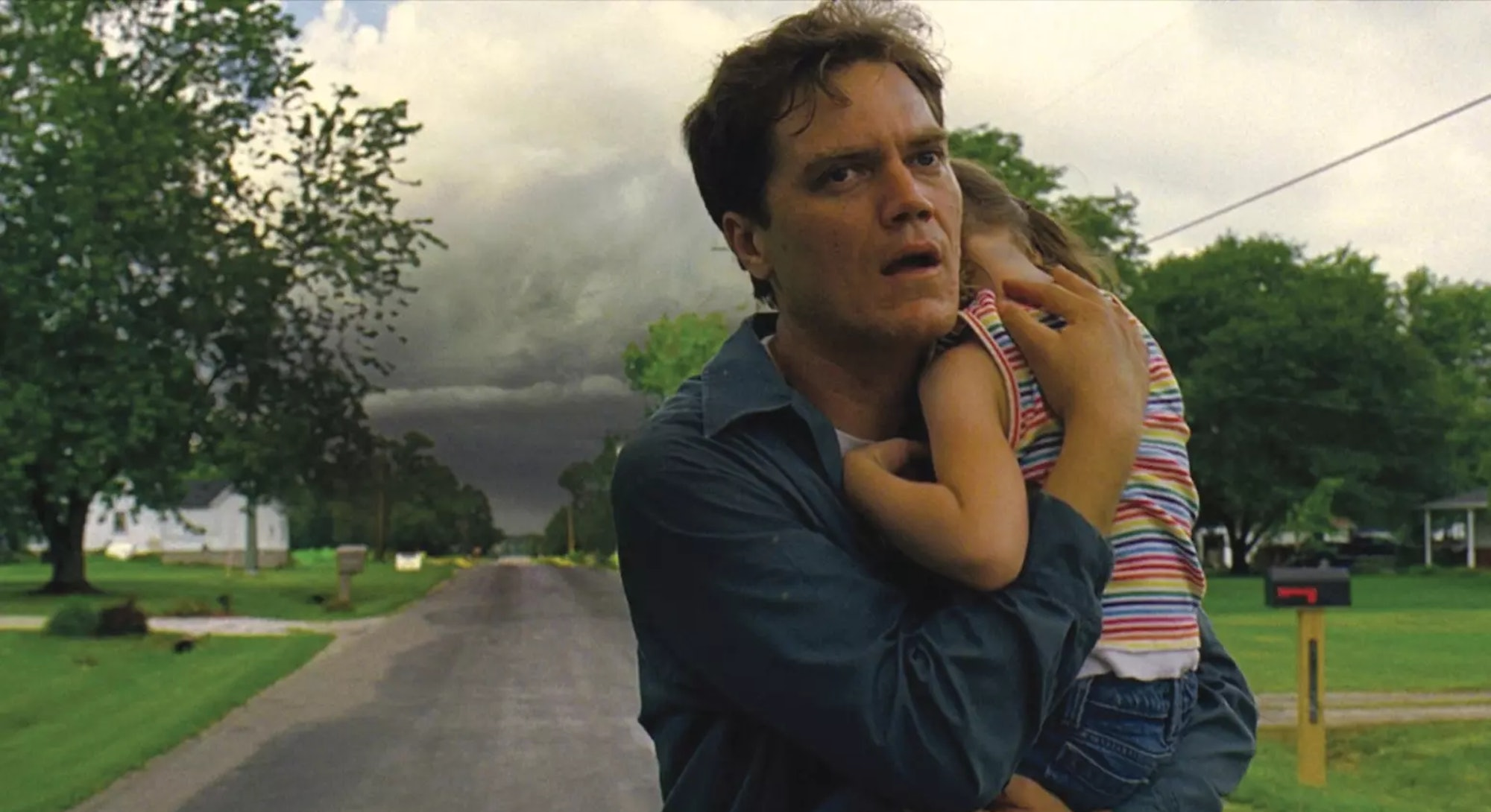 michael shannon holding daughter in take shelter