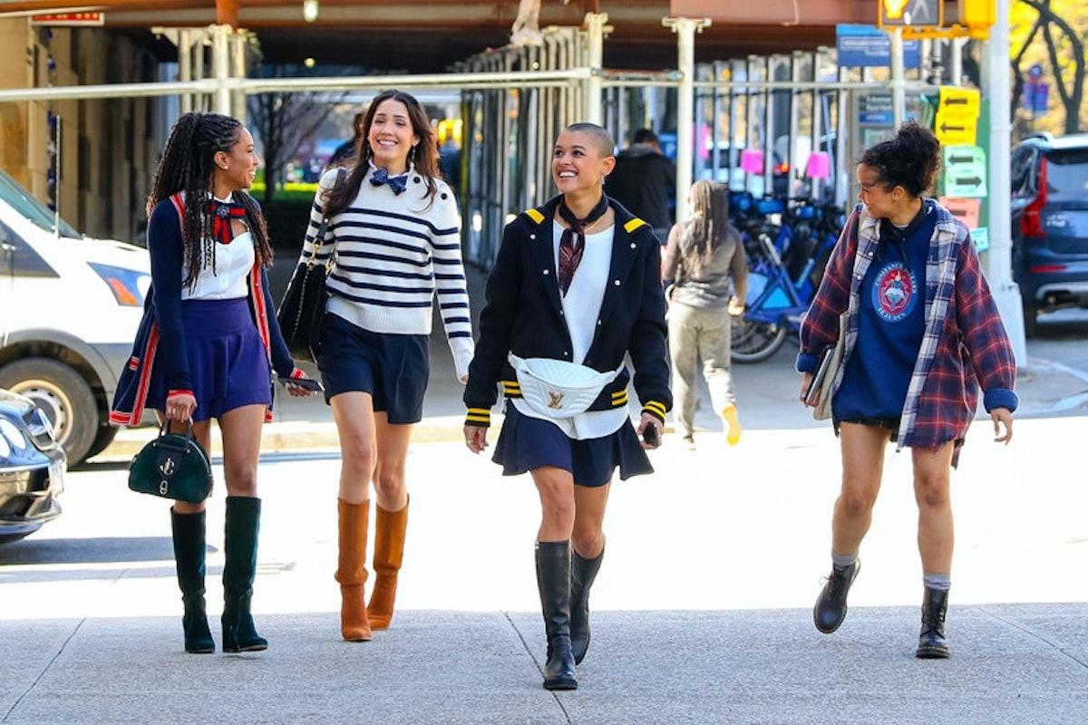 The Gossip Girl cast walking in New York City