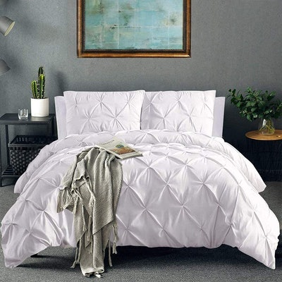 Vailge Pinch Pleated Duvet Cover (3-Piece)