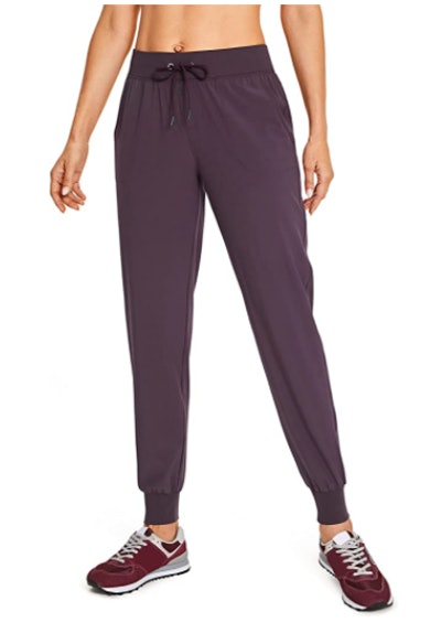 CRZ YOGA Women's Lightweight Joggers Pants With Pockets