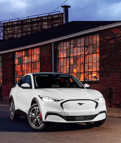 Tesla Model 3 Standard Range Plus EV in white
