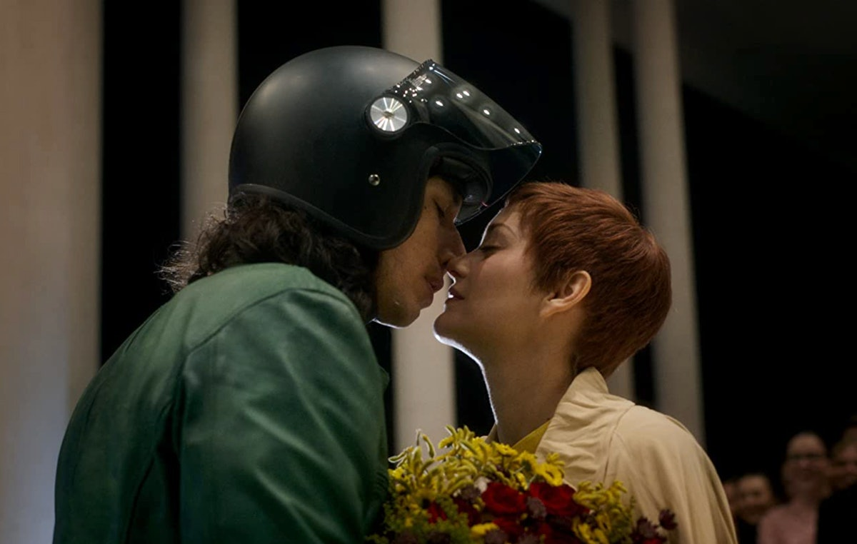 Adam Driver and Marion Cotillard kissing in Annette