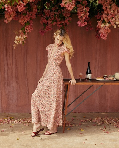 DÔEN's Summer 1 drop is full of whimsical, dreamy summer dresses, channeling the exuberance and joy of summer vacations.