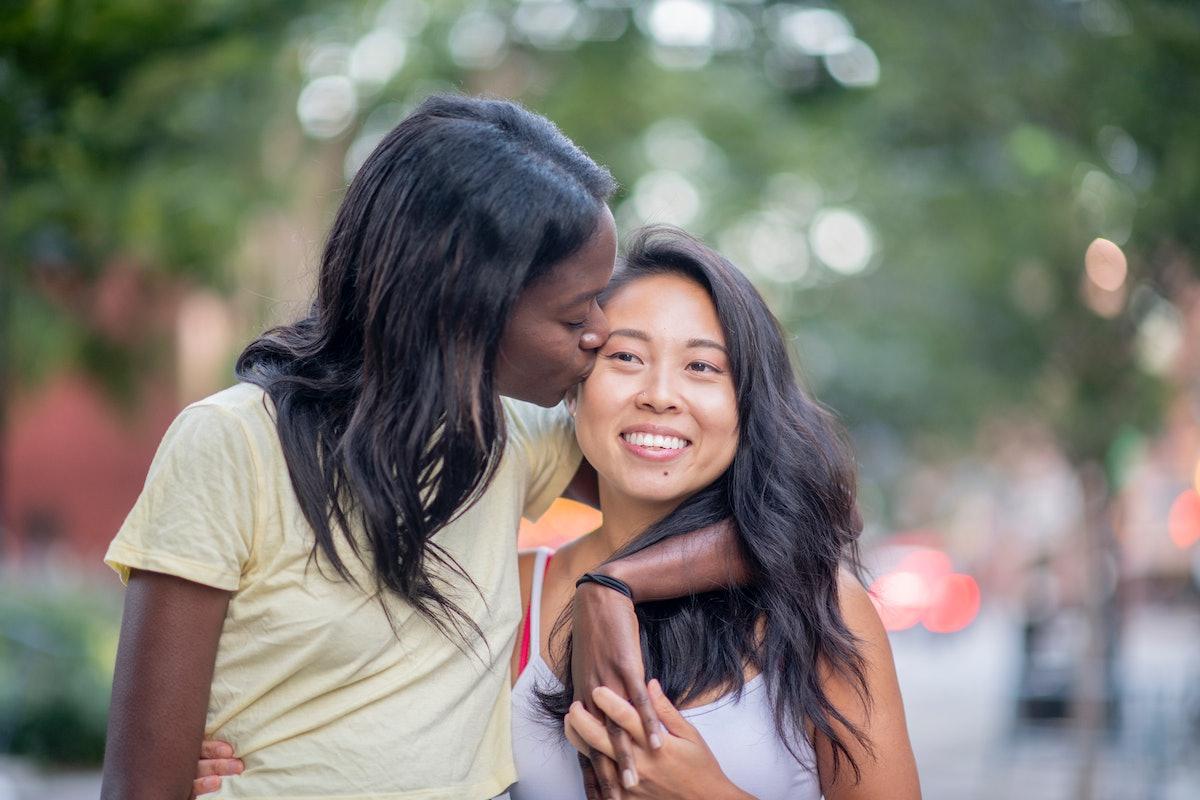 2 Libra women dating.