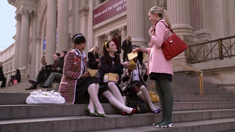Jenny Humphrey talking to Blair Waldrof on the Met steps in the pilot episode of 'Gossip Girl.'