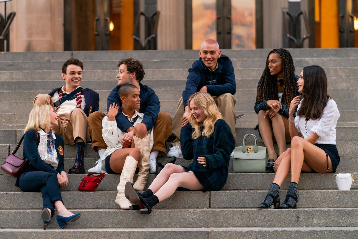 the cast of the new 'Gossip Girl.'