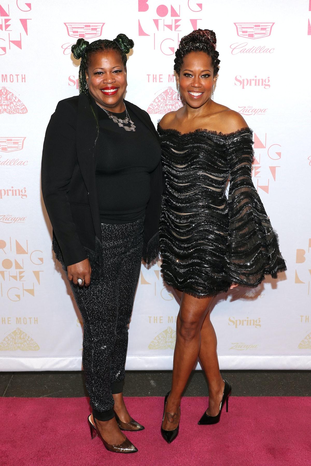 Linda and Regina King posing on the red carpet