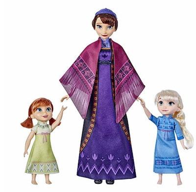 Hasbro Disney's Frozen 2 Queen Iduna Lullaby Set