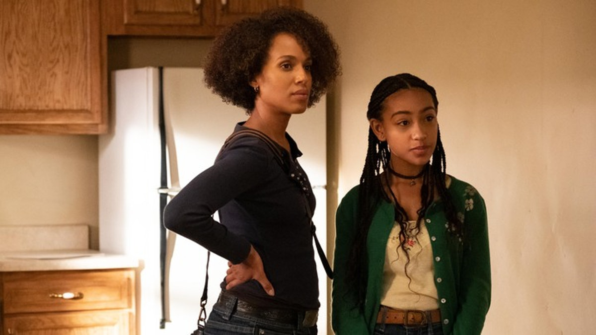 """Kerry Washington and Lexi Underwood in """"Little Fires Everywhere."""""""