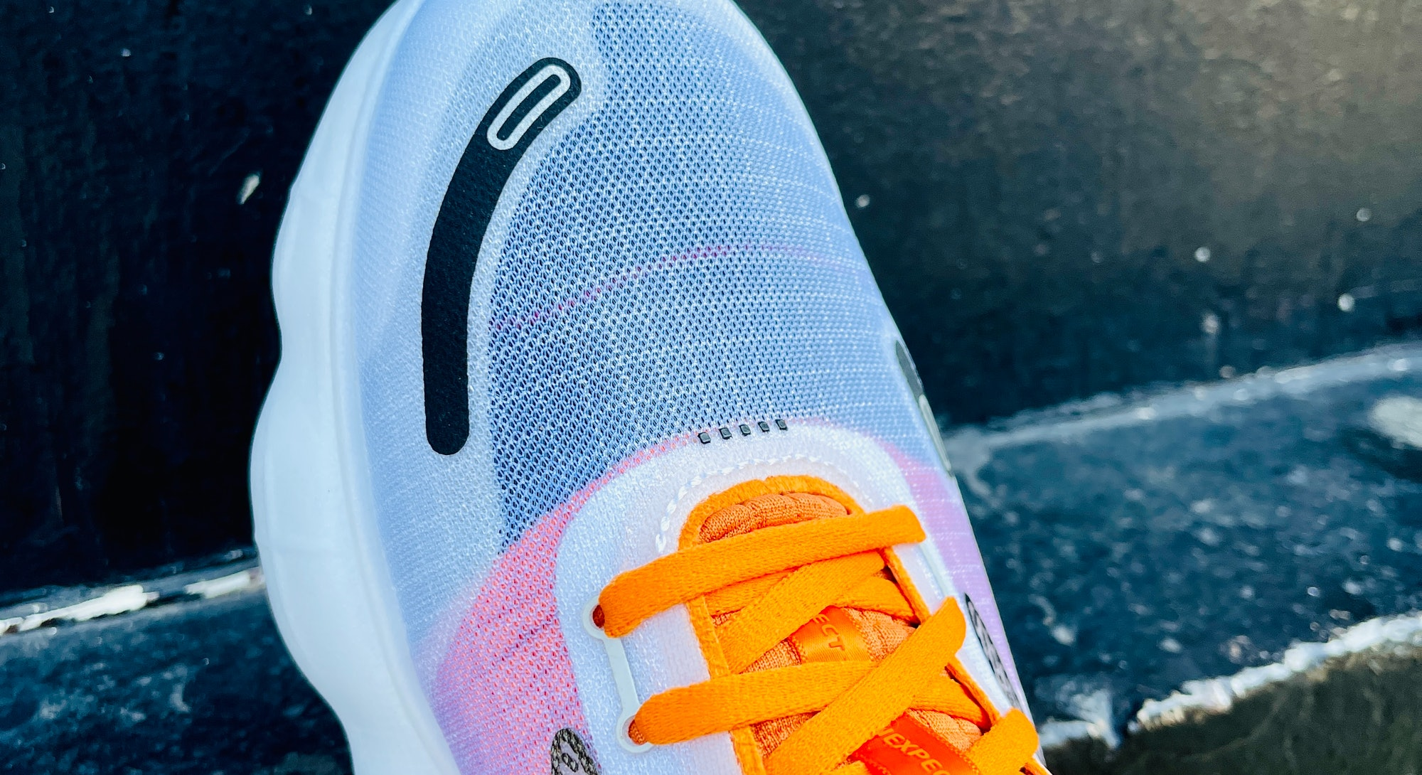 Brooks Aurora-BL running sneakers shoes review on feet