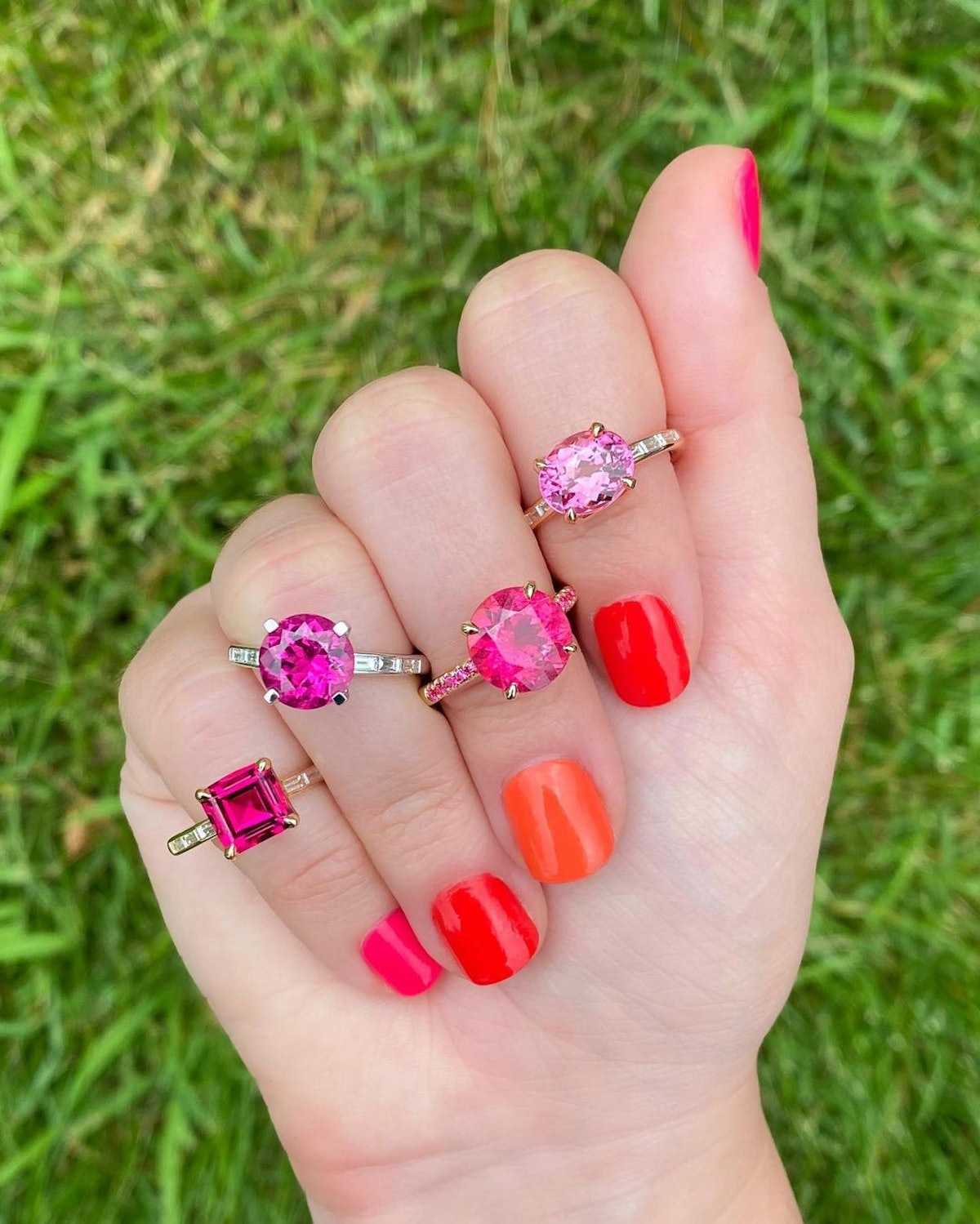 Pink engagement rings were a '90s favorite and they're officially back. Favorites ahead.