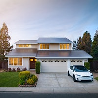 """Tesla Solar Roof is """"solving the wrong problem,"""" ex-Powerwall head reveals"""