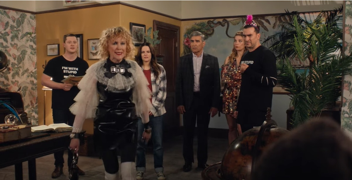 Video chat with the Roses in the escape room with these 'Schitt's Creek' backgrounds for Zoom.