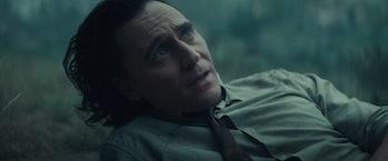 Tom Hiddleston looking up in Loki Episode 4
