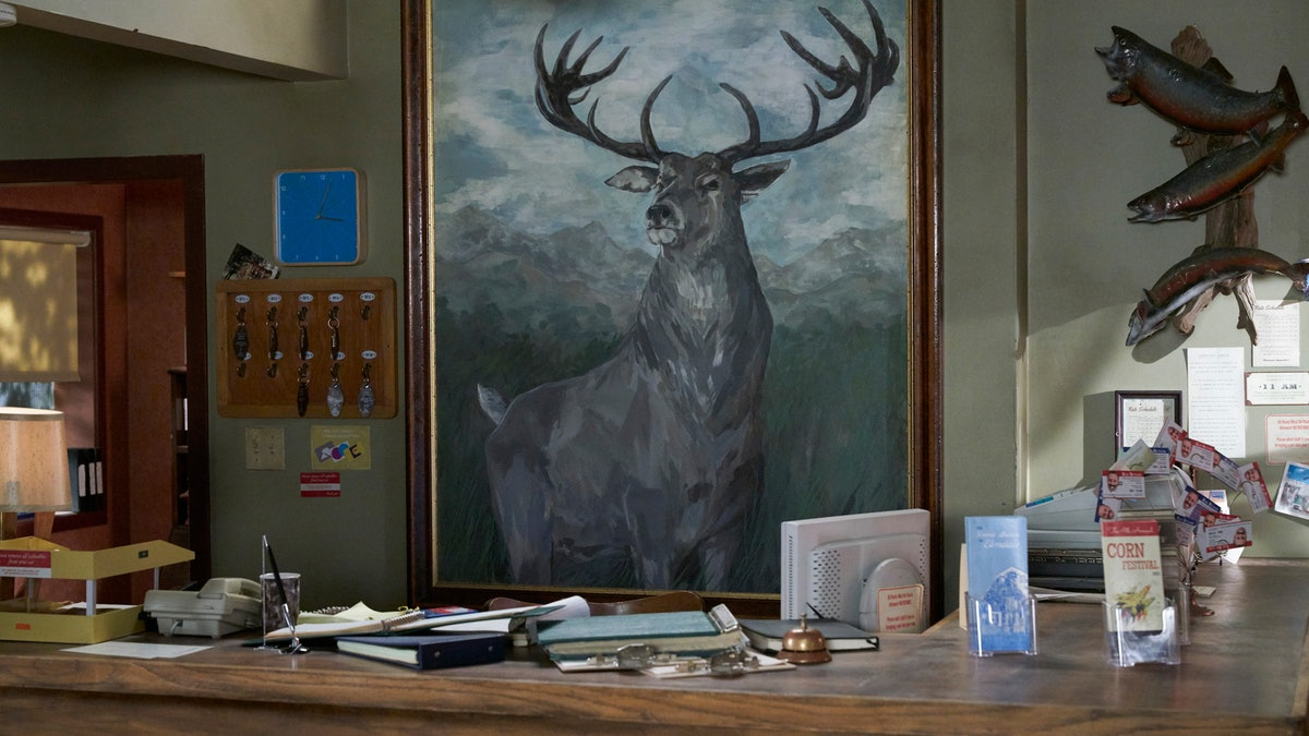 Conference calls get a lift with these 'Schitt's Creek' backgrounds for Zoom.