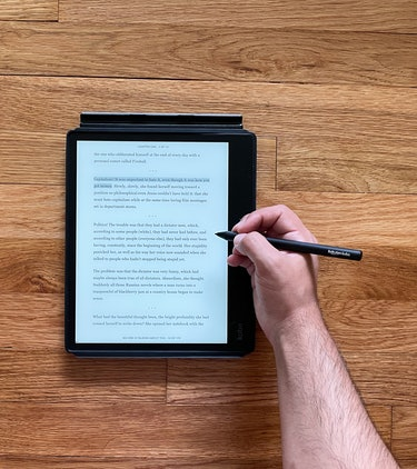 Kobo Elipsa review: Stylus for writing, drawing, note-taking, highlighting on 10.3-inch e-reader.