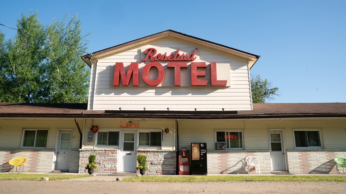 Call from the Rosebud Motel with these 'Schitt's Creek' backgrounds for Zoom.