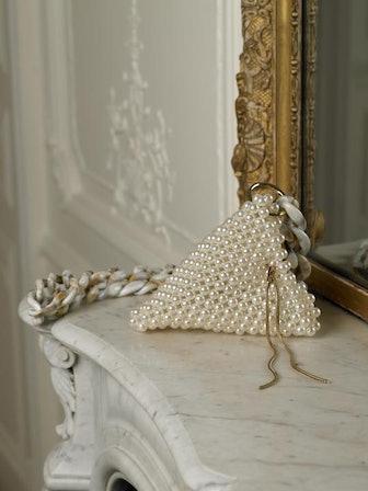 Triangular Eruma Pearl Bag (Pearl/Gold)