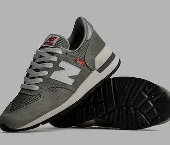 "New Balance MADE ""Version Series"" 990v1"