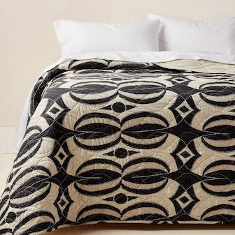 Printed Quilt Black/Tan