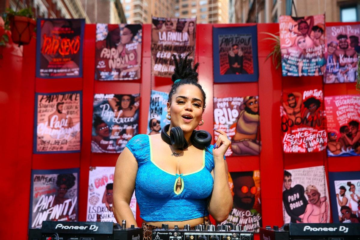 Jada LaReign performs at Papi Juice, 'The Portal'