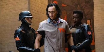 Loki timelines time travel rules marvel michael waldron tom hiddleston
