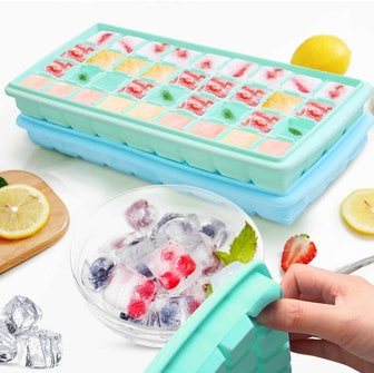 GDREAMT Silicone Ice Cube Trays With Lids (2-Pack)