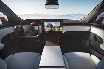 The new Model S has a more minimalist interior, similar to the entry-level Tesla Model 3.
