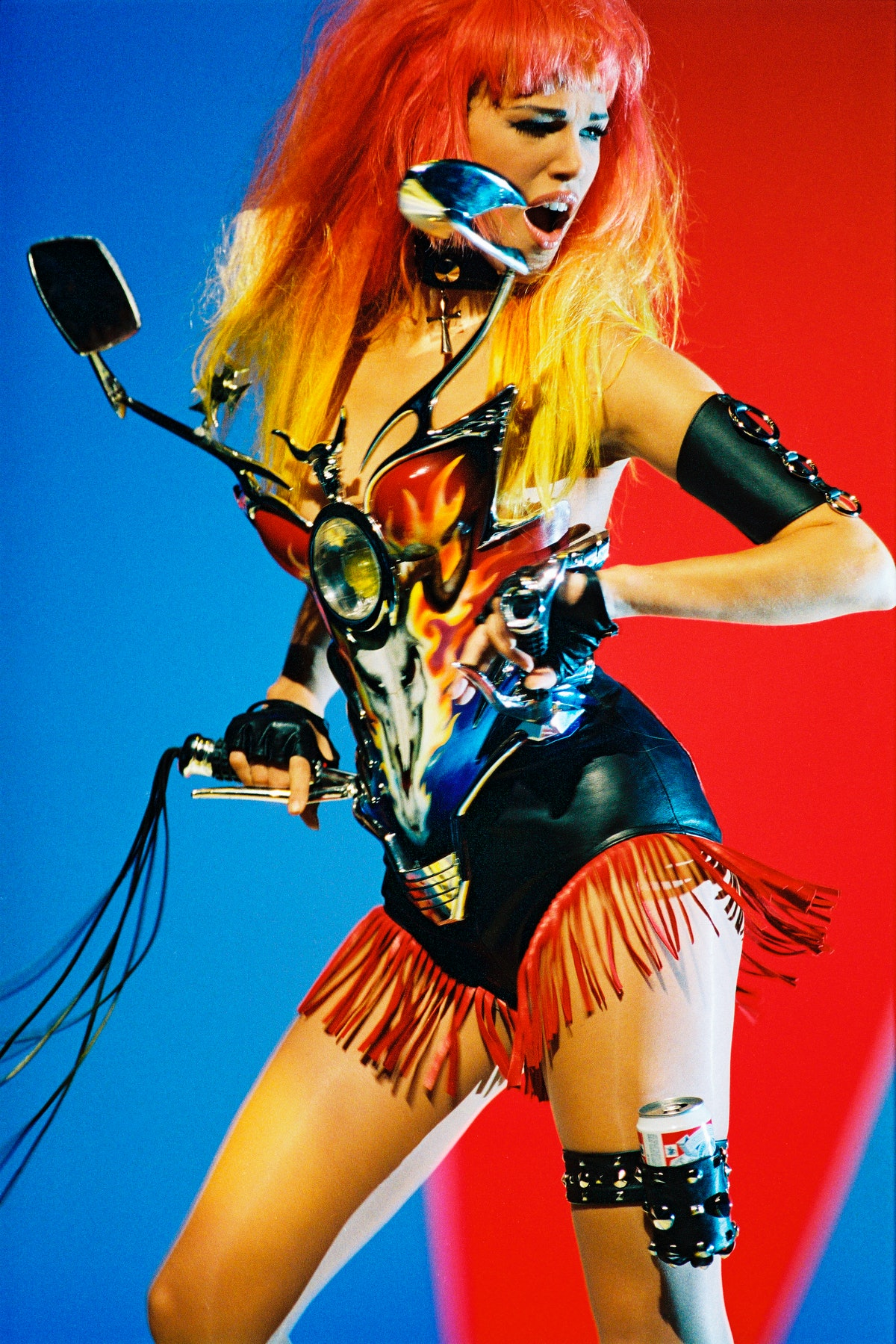Emma Sjöberg wearing an iconic look by Thierry Mugler