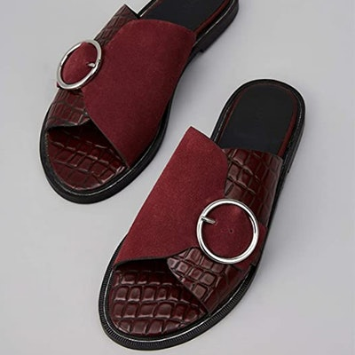 find. Buckle Leather Crocodile Sandals